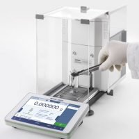 With XPR Excellence analytical balances, weighing accuracy is assured with the widest safe weighing ranges