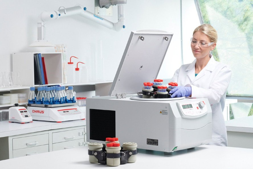 : The OHAUS FC5515R High-Speed Refrigerated Centrifuge has a strong cooling system and temperature-compensation function that deliver on accuracy and provide reliable, high-quality results.